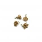 19x15mm šviesiai rudos sp. gėlyčių pakabukai, sidabro sp. kepurėle, 4vnt.